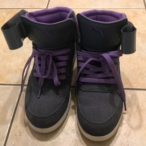Women's puma sneakers with strap